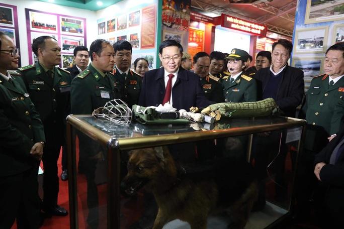 Phó Thủ tướng khai trương triển lãm quân sự - quốc phòng - Ảnh 3.