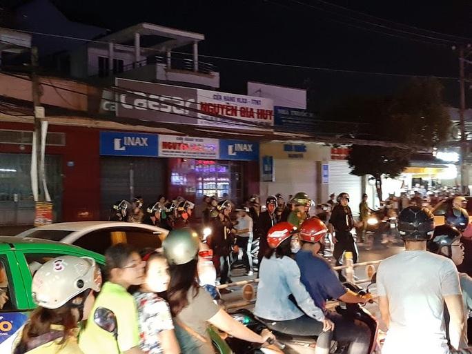 Vụ cảnh sát bao vây bệnh viện ở Biên Hòa: Bắt giữ 14 đối tượng tín dụng đen - Ảnh 4.