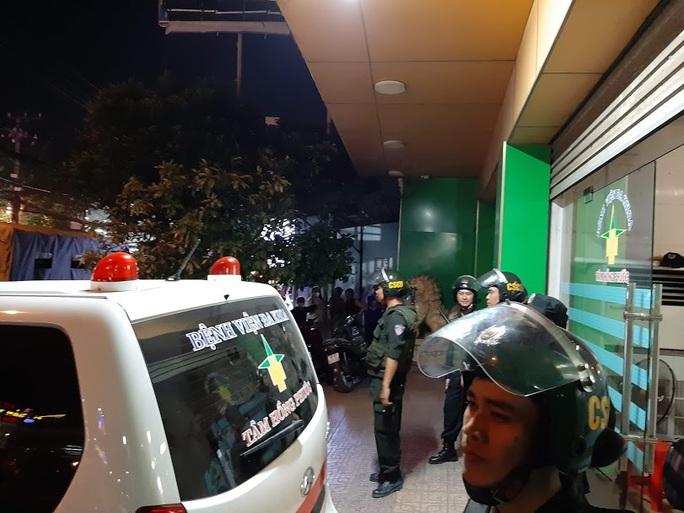 Vụ cảnh sát bao vây bệnh viện ở Biên Hòa: Bắt giữ 14 đối tượng tín dụng đen - Ảnh 9.