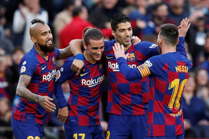 Nhận cúp xuất sắc nhất tháng, Messi lập kỳ tích ghi bàn độc nhất năm  - Ảnh 7.