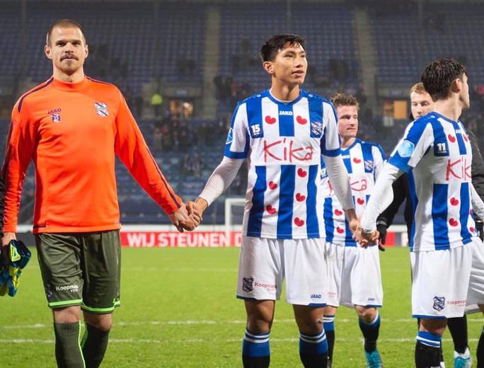 Vì sao không được về đá U23 châu Á, Đoàn Văn Hậu vẫn chưa được đá giải Hà Lan? - Ảnh 1.