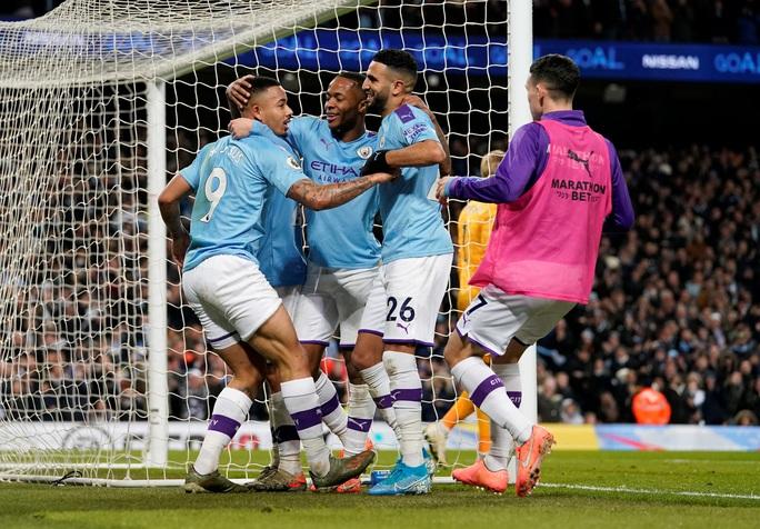 Ngược dòng ngoạn mục, Man City bùng nổ hạ Leicester - Ảnh 6.