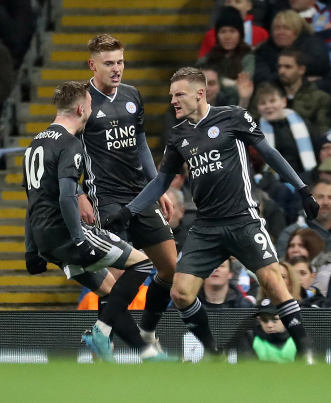 Ngược dòng ngoạn mục, Man City bùng nổ hạ Leicester - Ảnh 3.