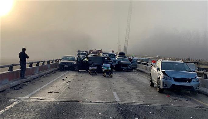 Mỹ: 69 xe gặp tai nạn liên hoàn, hàng chục người bị thương - Ảnh 3.