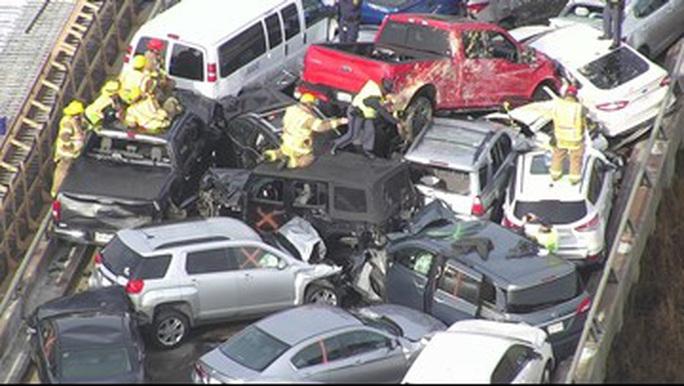 Mỹ: 69 xe gặp tai nạn liên hoàn, hàng chục người bị thương - Ảnh 5.