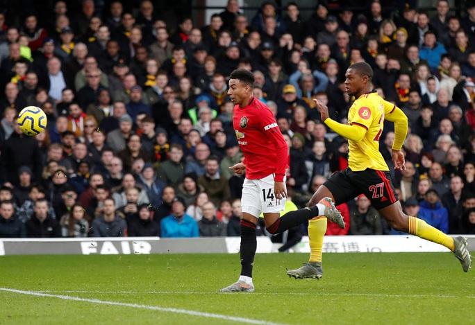 Paul Pogba tái xuất, Man United thua tan tác trước Watford - Ảnh 4.