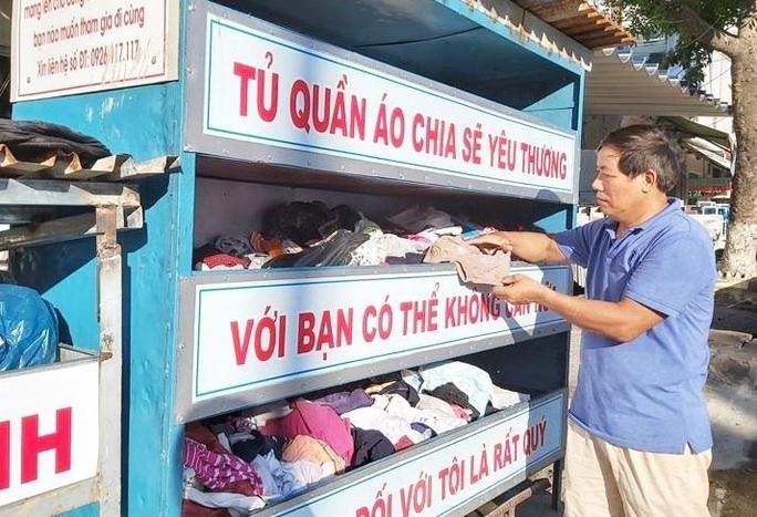 Thực hư chuyện ô tô tranh giành đồ từ thiện tại Đà Nẵng - Ảnh 1.
