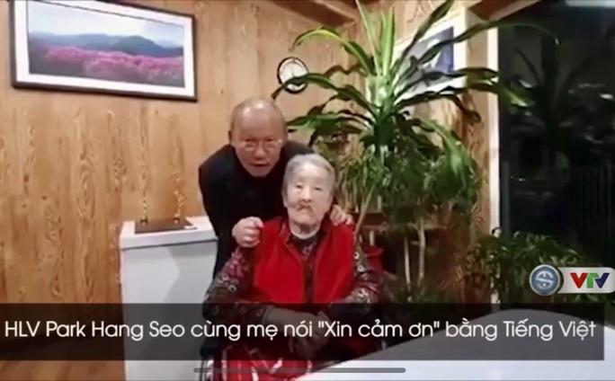 HLV Park Hang-seo gây sốt khi dạy mẹ nói câu Xin cám ơn bằng tiếng Việt - Ảnh 2.