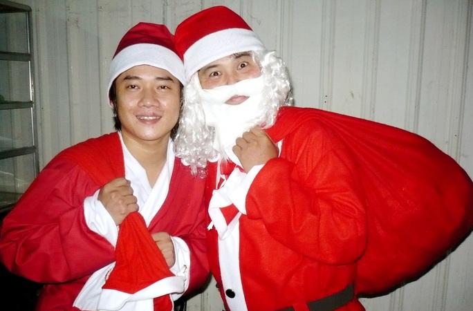 NSND Ngọc Giàu, NS Mạc Can, Việt Hương mang niềm vui san sẻ trong mùa Giáng sinh - Ảnh 7.