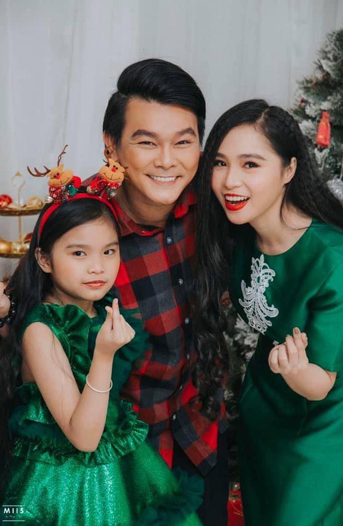 NSND Ngọc Giàu, NS Mạc Can, Việt Hương mang niềm vui san sẻ trong mùa Giáng sinh - Ảnh 4.