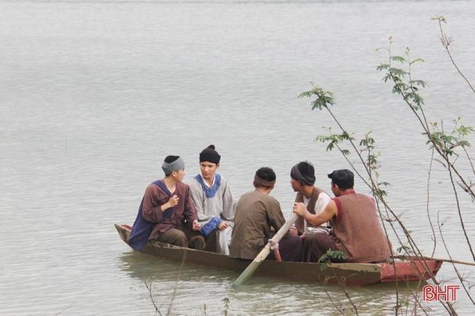 Hé lộ cảnh quay tuyệt đẹp trong phim về đại thi hào Nguyễn Du - Ảnh 7.
