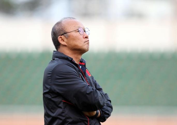 HLV Park Hang-seo kém vui vì U23 Việt Nam thiếu Văn Hậu - Ảnh 2.