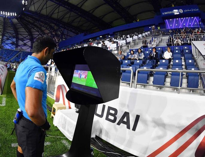 Từ VAR Ngoại hạng Anh đến VAR tại U23 châu Á 2020 - Ảnh 8.