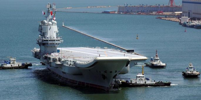 Tàu sân bay mới của Trung Quốc đi qua eo biển Đài Loan - Ảnh 1.