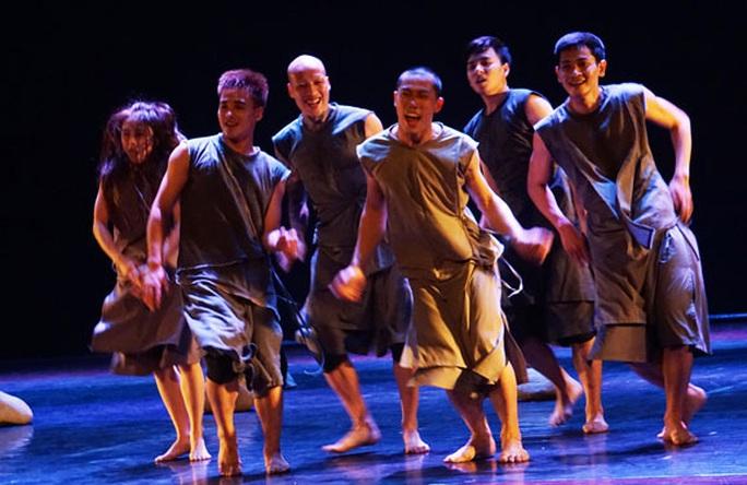 Mở cửa sân khấu múa cho biên đạo ngoại - Ảnh 2.