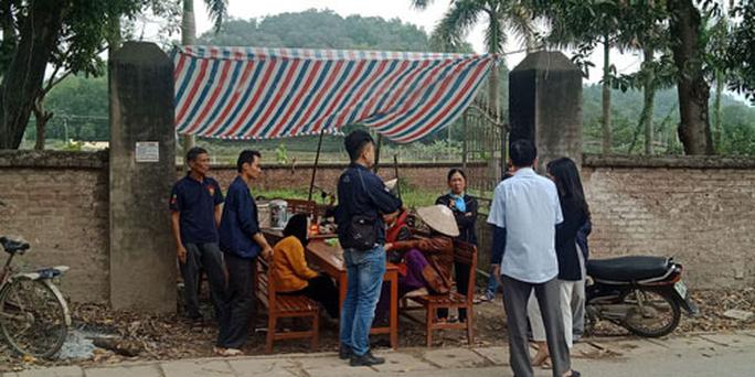 Hà Nội: Bãi rác Nam Sơn vẫn bị chặn - Ảnh 1.