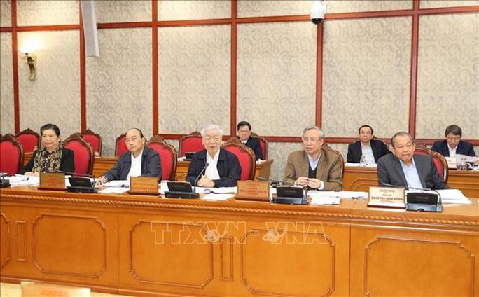 Tổng Bí thư, Chủ tịch nước Nguyễn Phú Trọng chủ trì họp Bộ Chính trị - Ảnh 5.