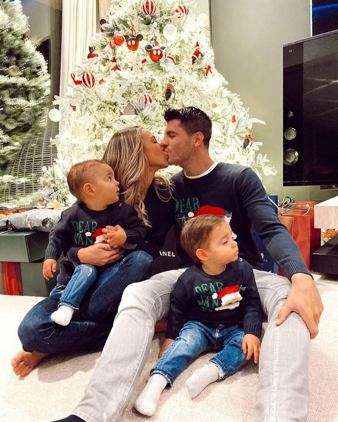 Kỳ nghỉ Giáng sinh đầy sắc màu của sao bóng đá thế giới - Ảnh 10.