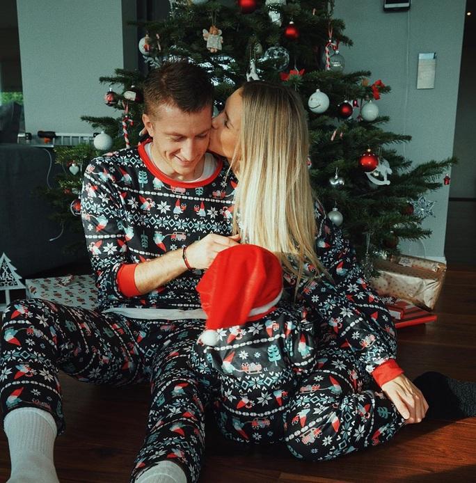 Kỳ nghỉ Giáng sinh đầy sắc màu của sao bóng đá thế giới - Ảnh 5.