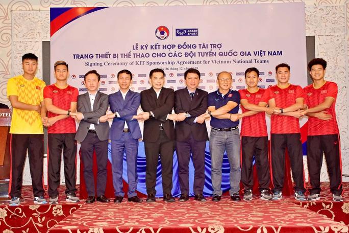 Trợ lí Lê Huy Khoa không phiên dịch cho HLV Park Hang-seo ở VCK U23 châu Á 2020 - Ảnh 4.