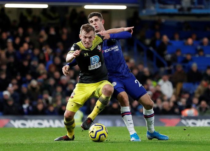 HLV Chelsea nói gì khi gục ngã trên sân nhà, nguy cơ rớt khỏi top 4? - Ảnh 2.