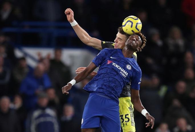 HLV Chelsea nói gì khi gục ngã trên sân nhà, nguy cơ rớt khỏi top 4? - Ảnh 1.