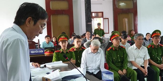Cựu chánh án Phú Yên đối diện mức án 15 năm 6 tháng - 16 năm tù về tội tham ô - Ảnh 3.