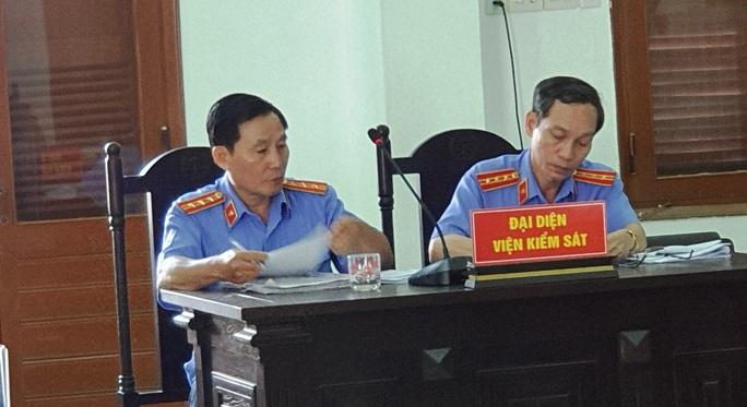 Cựu chánh án Phú Yên đối diện mức án 15 năm 6 tháng - 16 năm tù về tội tham ô - Ảnh 2.
