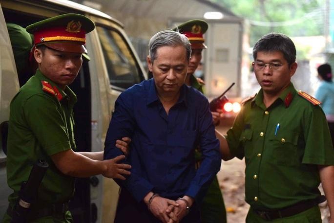 3 cấp dưới đồng loạt kháng cáo dù ông Nguyễn Hữu Tín chấp nhận bản án - Ảnh 2.