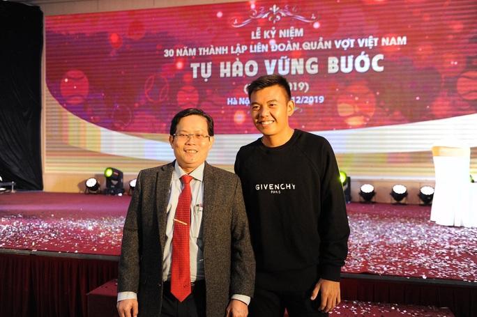 Lý Hoàng Nam nhận bằng khen của Thủ tướng Nguyễn Xuân Phúc, được đầu tư 2 tỉ đồng - Ảnh 3.