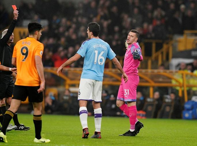 Wolverhampton ngược dòng đẳng cấp, Man City thua tê tái ở Molineux - Ảnh 2.