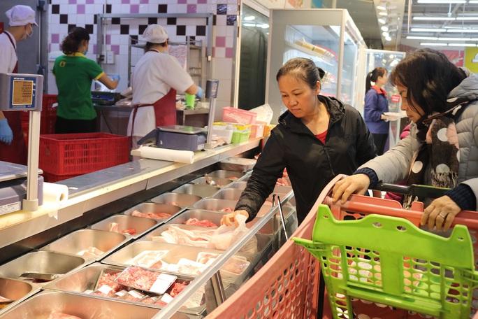 Một hệ thống siêu thị cam kết bán thịt heo giá vốn trong dịp Tết - Ảnh 1.