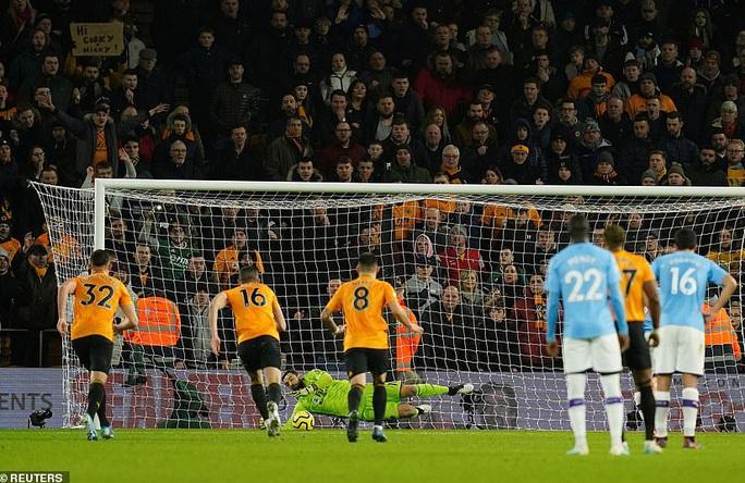 Wolverhampton ngược dòng đẳng cấp, Man City thua tê tái ở Molineux - Ảnh 3.