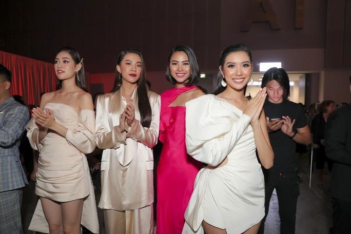 Sơn Tùng M-TP gây chú ý tại triển lãm thời trang Nguyễn Công Trí - Ảnh 5.