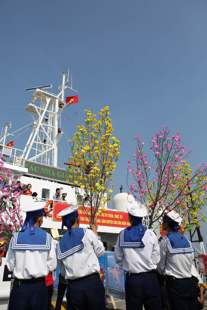 Mang 5.000 lá cờ Tổ quốc đến các Nhà giàn DK1 - Ảnh 7.
