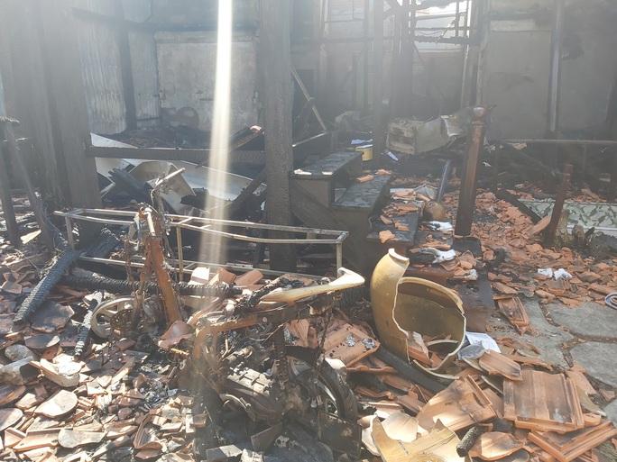 CLIP: Hiện trường tan hoang vụ cháy homestay ở Phú Quốc khiến 7 người thương vong - Ảnh 3.