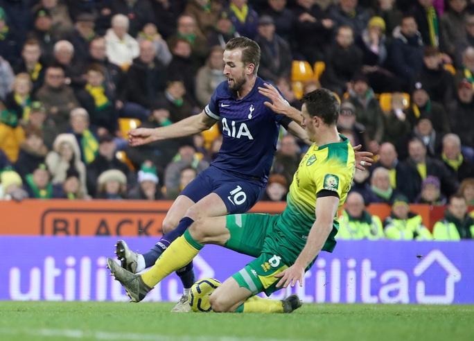 Thoát hiểm nghẹt thở tại Carrow Road, Tottenham lỡ bước vào top 4 - Ảnh 5.