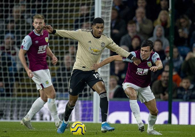 Chủ nhà Burnley tặng quà, Man United vào Top 5 - Ảnh 2.