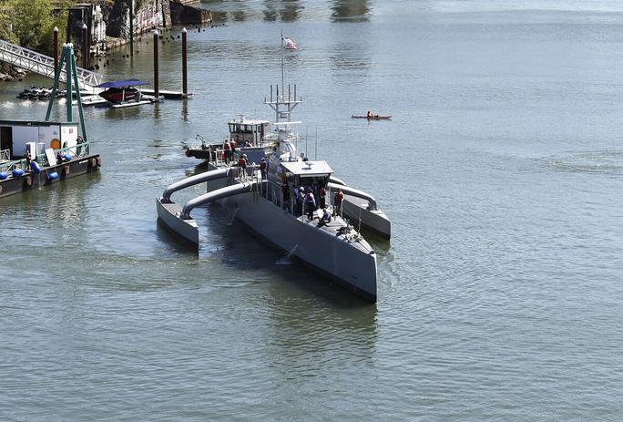 """Mỹ thành lập """"Hạm đội ma"""" đối phó Trung Quốc - Ảnh 1."""