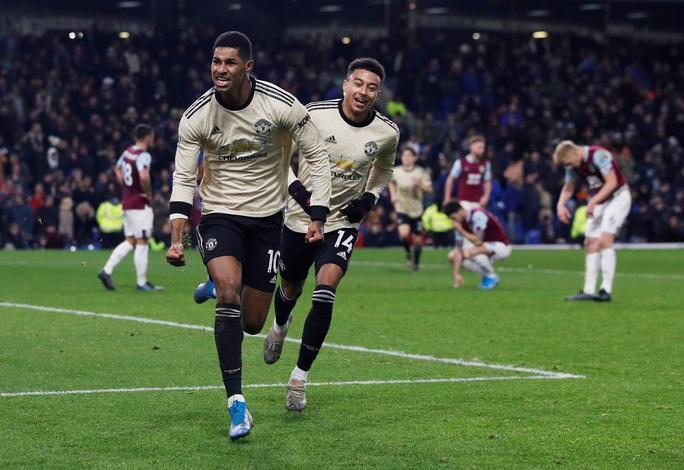 Chủ nhà Burnley tặng quà, Man United vào Top 5 - Ảnh 7.