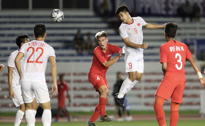 HLV Park Hang-seo tìm kiếm sự cảm thông sau chiến thắng Singapore - Ảnh 4.