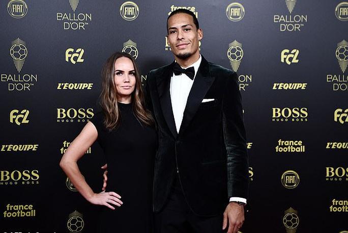 Chị gái Ronaldo gây bão mạng với chỉ trích nặng nề Van Dijk - Ảnh 1.