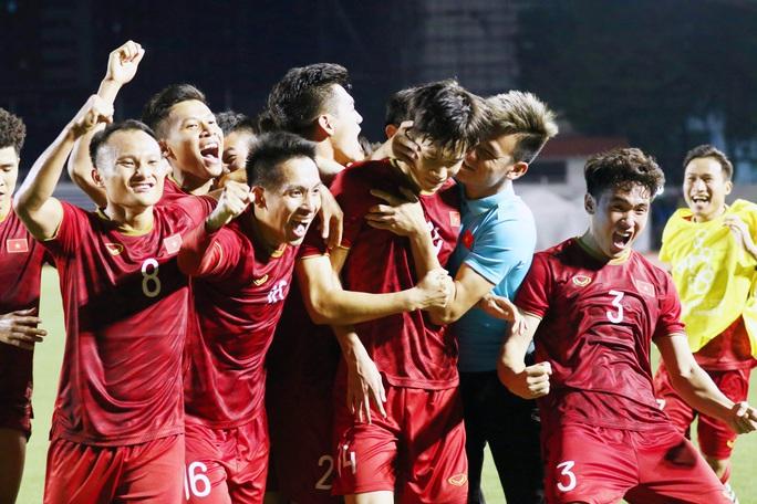 CĐV Indonesia thách thức tuyển bóng đá Việt Nam thắng luôn Thái Lan! - Ảnh 1.