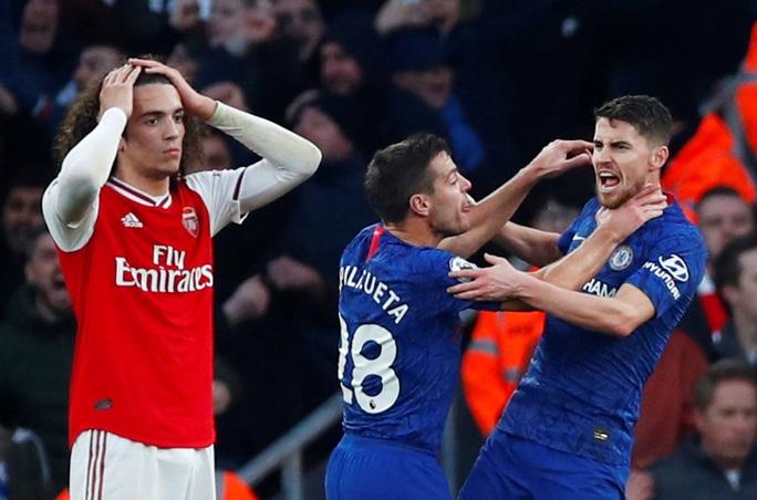 Huyền thoại Arsenal nói gì sau thất bại của Pháo thủ trước Chelsea? - Ảnh 2.
