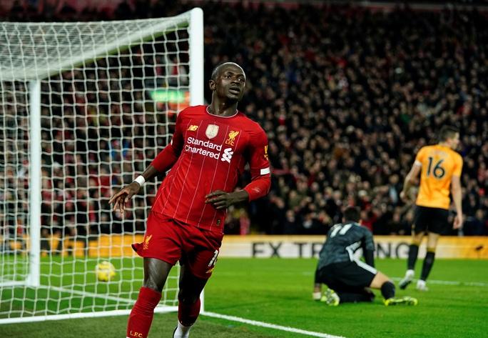 Ngoại hạng Anh sốc nặng khi VAR giải cứu Liverpool - Ảnh 3.