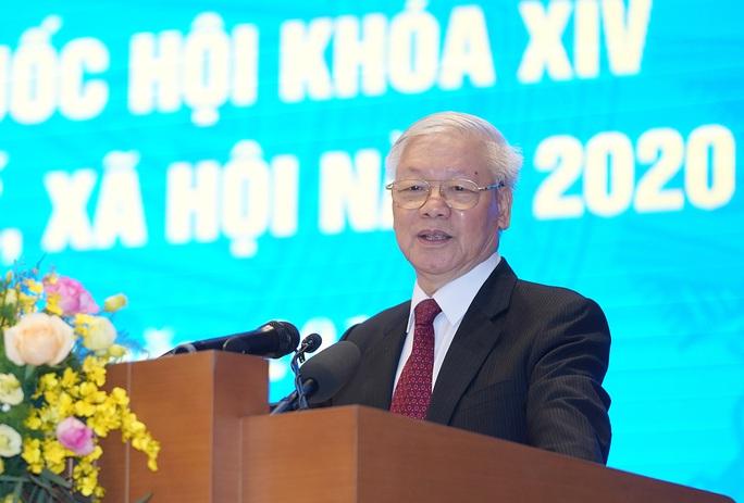 Tổng Bí thư, Chủ tịch nước: Mây đen phủ lên toàn cầu nhưng mặt trời đang tỏa sáng ở Việt Nam - Ảnh 1.