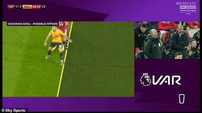 Ngoại hạng Anh sốc nặng khi VAR giải cứu Liverpool - Ảnh 4.