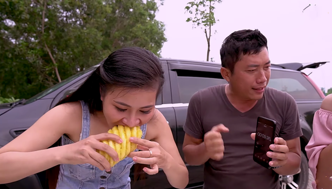 CLIP: Bị chê phản cảm vì thách nghệ sĩ thi ăn để nhận thưởng, diễn viên Kinh Quốc lên tiếng - Ảnh 3.