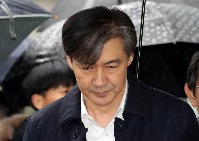Hàn Quốc: Truy tố cựu bộ trưởng tội liên quan đến gia đình - Ảnh 1.