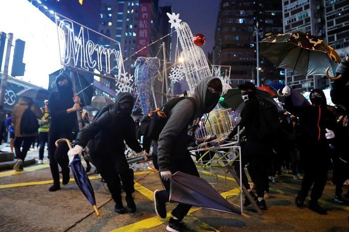 Châu Á đón năm mới đầy tâm trạng - Ảnh 12.